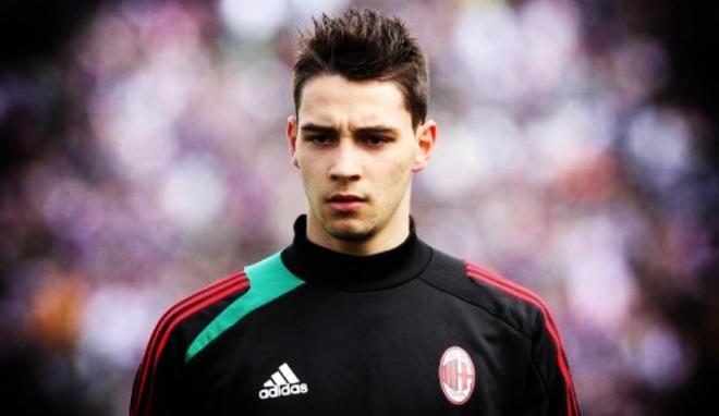 Защитник Милана собрался переходить в Ювентус